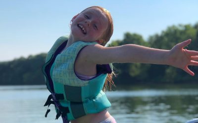 Living her very best lake life. Who else loves being on the water?  . . . . . . #LakeLife #Boating #Swimming #WaterLife #GetOutdoors #Camping